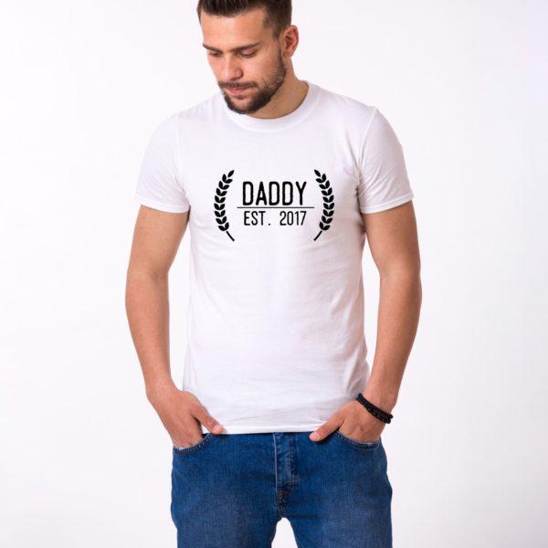 Daddy Est Wreath Shirt, White/Black