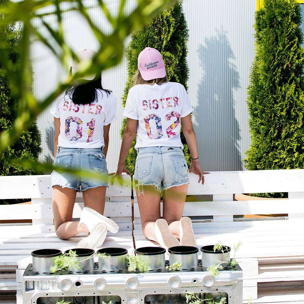 lookbook-1_0006_epic-tees-besties-light-retouch-0310