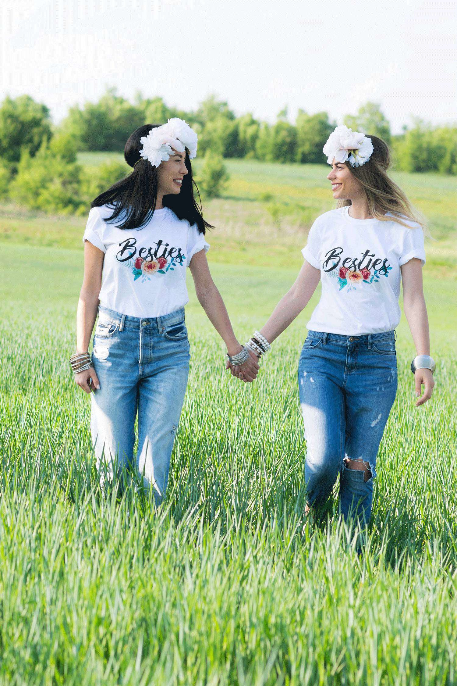 lookbook-3_0000_epic-tees-besties-light-retouch-0022