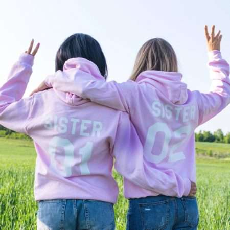 pink-hoodies-bff-hoodies-photosession-resized-2288x2316-psd_0011_dsc_0127